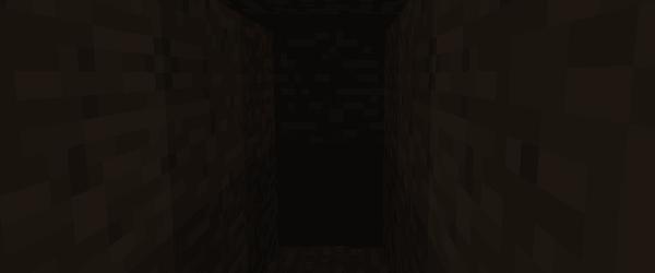坑道の暗さ