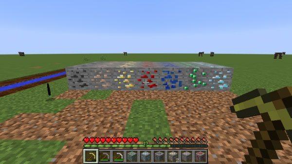 金のツルハシで採掘