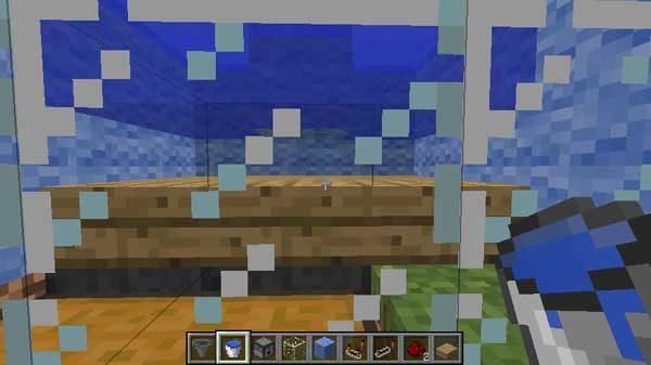 水とハーフブロックの間の隙間