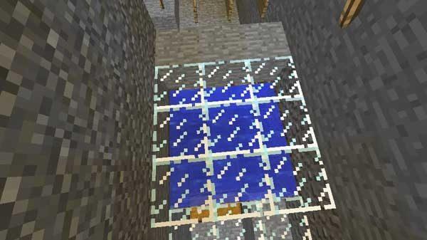 水の上を覆うガラスブロック