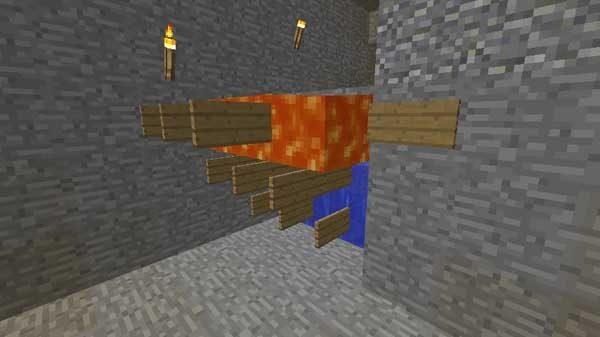 処理部分入り口に設置される溶岩