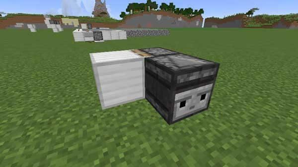粘着ピストンにブロックがくっついています